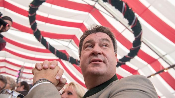 Ministerpräsident Markus Söder auf dem Gillamoos, einem der ältesten Volksfest Bayerns.