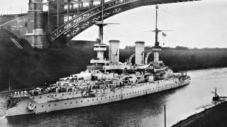 Deutsches Kriegsschiff auf dem Kaiser-Wilhelm-Kanal
