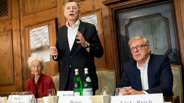 Pressekonferenz: Bürgerbegehren für Stolpersteine endlich auch in München!  in der Münchner Kindl Stuben bei Schuhbecks am Platzl 6.