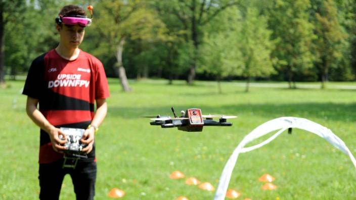 Drohnen-Pilot Niklas Stolle