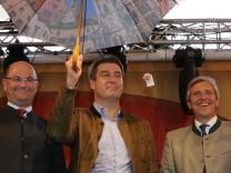 Markus Söder mit Franz Rieger und Albert Füracker in Regensburg: CSU im Wahlkampf