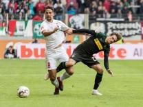 Rani Khedira FC Augsburg 08 Jonas Hofmann Borussia Moenchengladbach 23 FC Augsburg vs Boruss