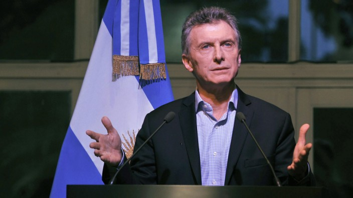 Argentinian President asks businessmen to invest in the country a