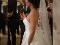 jetzt Brautkleid mit Taschen