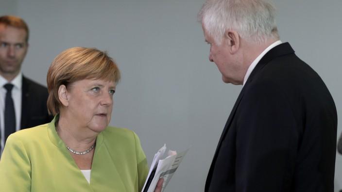 Merkel und Seehofer 2018 bei einer Kabinettssitzung