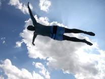 Sprung vom Einmeterbrett im Schwimmbad, 2009