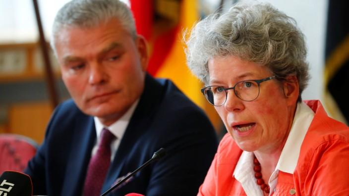 Fall Köthen: Sachsen-Anhalts Justizministerin Anne-Marie Keding (CDU) und Landesinnenminister Holger Stahlknecht (CDU) bei einer Pressekonferenz