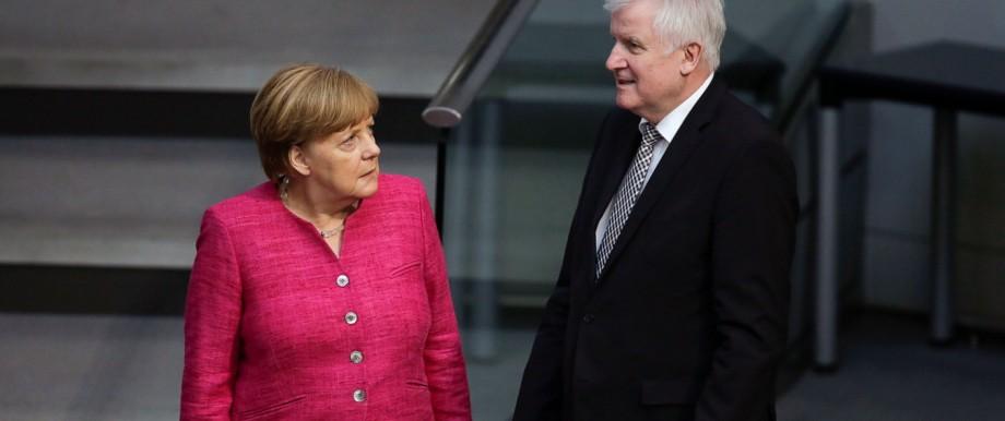 Politik CDU Merkel und Seehofer