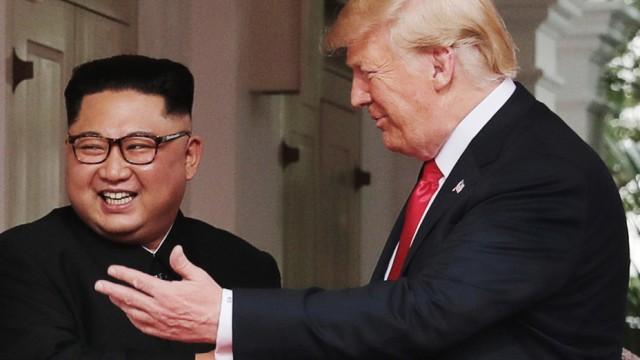 Donald Trump und Kim Jong-un beim Gipfel 2018 in Singapur