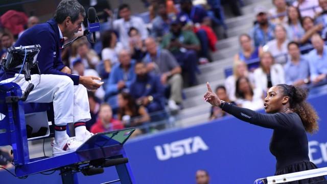 Serena Williams diskutiert im US-Open-Finale mit Schiedsrichter Carlos Ramos