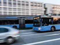 Busse am Ostbahnhof in München, 2018