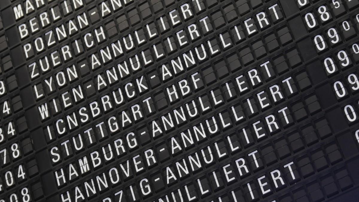 Reiserecht: Airline muss auch Provision erstatten - Reise ...