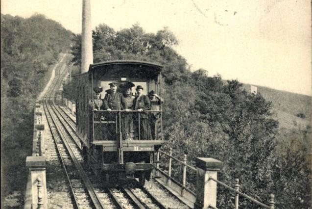 Wiesbaden in Hessen Nerobergbahn Standseilbahn Schornstein