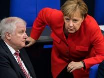 Angela Merkel und Horst Seehofer im Deutschen Bundestag
