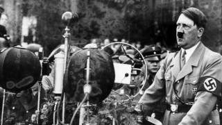 Adolf Hitler bei einer Rede im Lustgarten, 1934