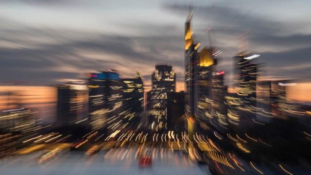 Skyline im Abendlicht