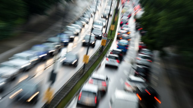 Autobauer stellen Einhaltung ihres Klimaziels in Frage