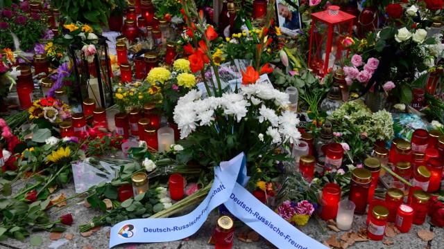 Blumen in Chemnitz nach der Tötung von Daniel H. 2018