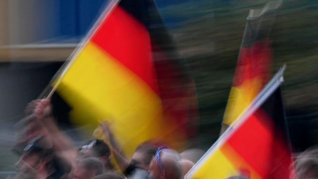 """Chemnitz: Demonstration des rechtspopulistischen Bündnisses """"Pro Chemnitz"""""""