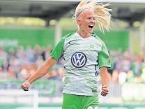 VfL Wolfsburg Women's v FC Chelsea Women's - Women's UEFA Champions League Semi Final Second Leg; Frauenfußball Wolfsburg