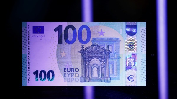 A new 100-euro banknote is presented at the ECB headquarters in Frankfurt