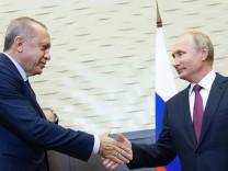 Wladimir Putin und Recep Tayyip Erdogan 2018 in Sotchi