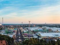 Blick über die Wies n Oktoberfest München Oberbayern Bayern Deutschland Europa iblmmw03989945