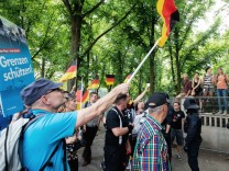AfD-Demonstration und Gegendemonstration