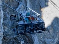 Bergung von Seilbahnkabine der Zugspitzseilbahn