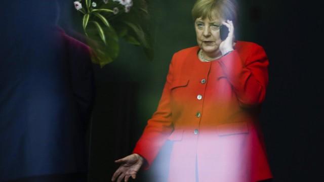 Politik SPD Streit um Verfassungsschutzchef