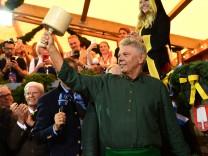 Oberbürgermeister Dieter Reiter beim Anzapfen des Oktoberfests 2018 in München