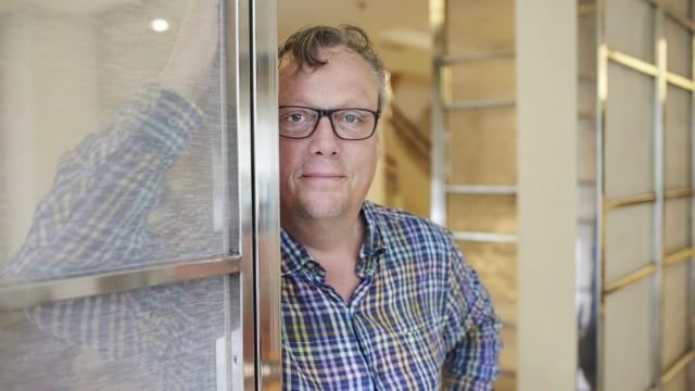 Swedish author presents new novel