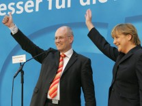 Wahl in Nordrhein-Westfalen - CDU vorn: Jubel in Berlin