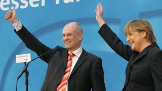 Wahl in Nordrhein-Westfalen - CDU vorn: Jubel in Berlin