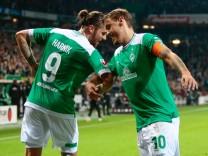 Die Werder-Spieler Max Kruse und Martin Harnik beim Bundesliga-Spiel gegen Hertha BSC Berlin
