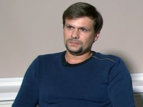 Fernsehinterview der in Großbritannien gesuchten Russen