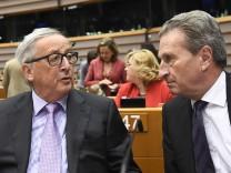 Jean-Claude Juncker und Günther Oettinger 2018 in Brüssel