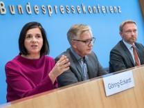Opposition im Bundestag: Klage gegen bayerisches Polizeiaufgabengesetz vorgestellt