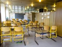 Kirchseeon Grundschule Wassereinbruch in Klassenzimmer