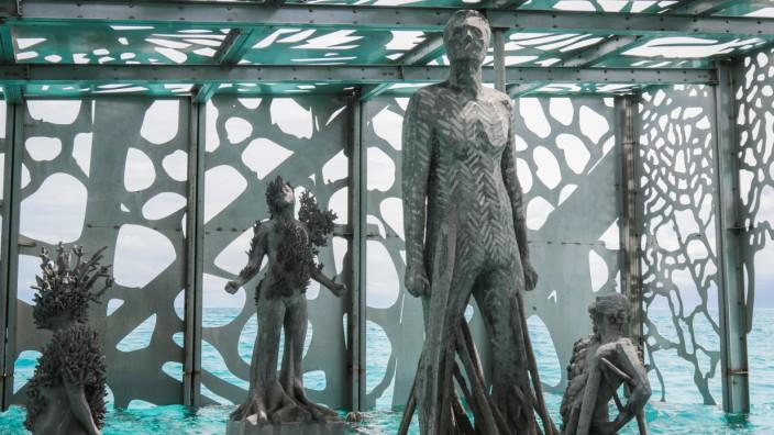 Unterwassermuseum - Erste Gezeitenkunstgalerie der Welt eröffnet