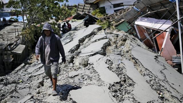 Zerstörungen nach dem Erdbeben und Tsunami in Indonesien 2018
