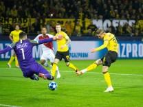 Danijel Subasic of AS Monaco Jacob Bruun Larsen of Borussia Dortmund during the UEFA Champions Leag