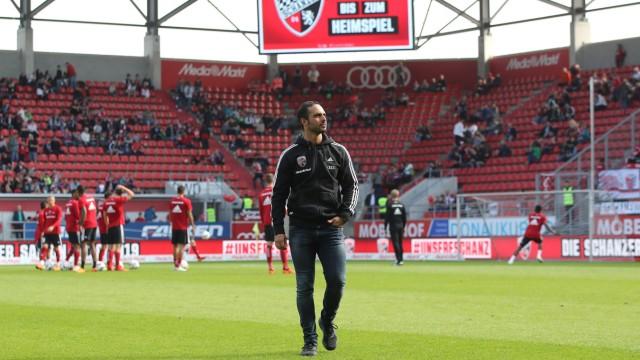2 Bundesliga FC Ingolstadt 04 SC Paderborn 07 Cheftrainer Alexander Nouri FCI vor dem Spie
