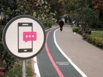 Bürgersteig-Spur für Smartphone-Nutzer