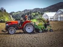 Biotop Oberland Lenggries -  Sebastian Girmann auf Traktor