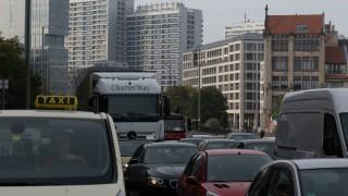 Berlin: Autoverkehr auf der Leipziger Straße