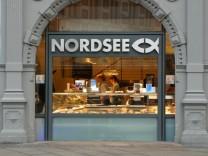 Schriftzug über einem Nordsee Restaurant in Erfurt