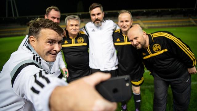 FC Bundestag spielt für die Pressefreiheit
