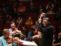 Mariss Jansons dirigiert BR Symphonierorchester in München, 2015
