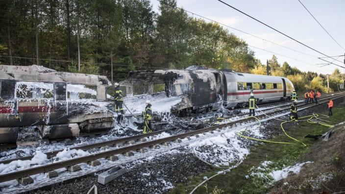 *** BESTPIX *** Fire Breaks Out In ICE High-Speed Train